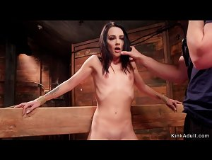 Slave trainer fucks brunette spinner