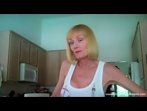 Cocksucker Grandma Amateur GILF Is So Hot